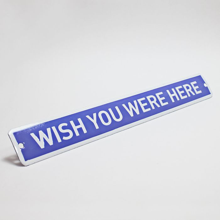 Placa-esmaltada-WISH-YOU-WERE-HERE---35-x-4.5-cm